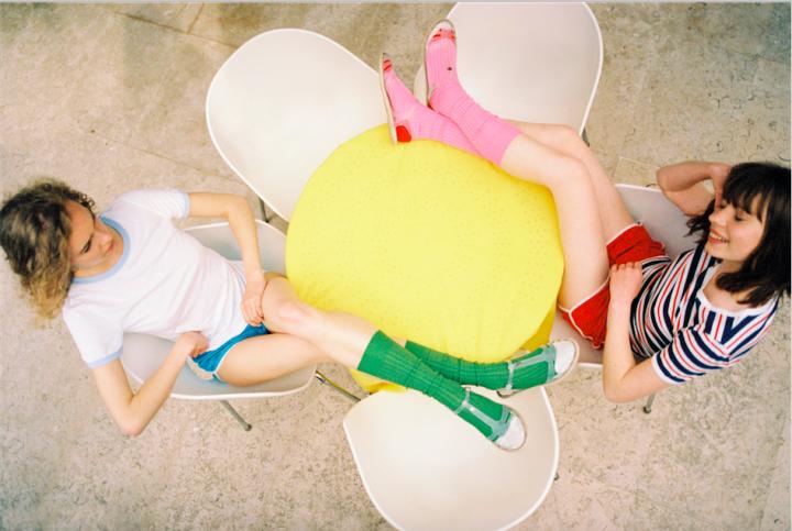 「Hysteria by Happy Socks」の春夏コレクションはヴィヴィッドで元気いっぱい!