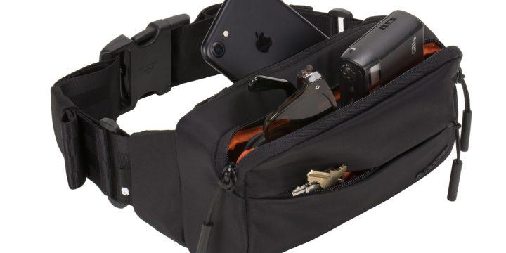 コンパクトながらも収納力バツグン、しかもMA-1と同素材を使った「INCASE」のサイドバッグ