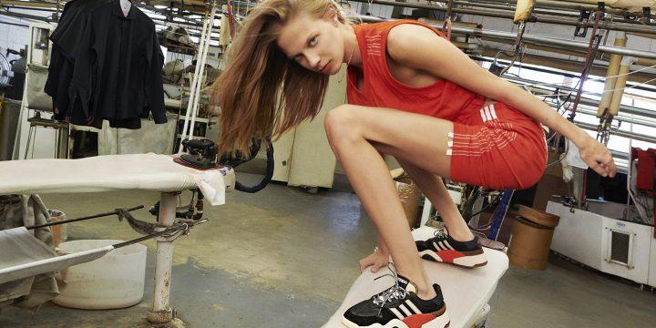 「adidas Originals by Alexander Wang Season 3」のDrop 3は段ボール箱の中に折りたたまれたままだったウエアからインスピレーション