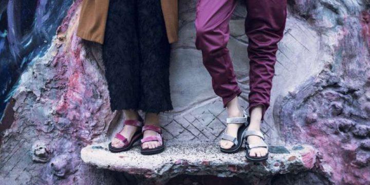 「Teva」の新作サンダルは、ベルベット素材など大人で秋顏のファッションコンシャスなモデルばかり!