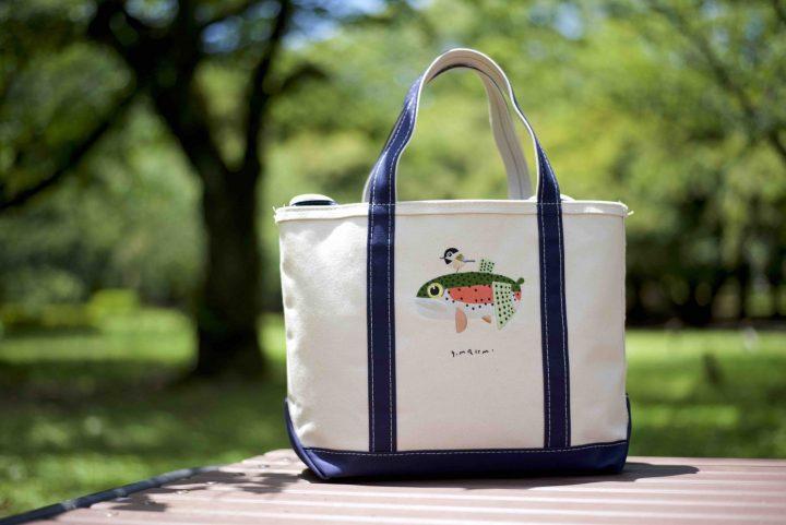 「L.L.Bean」の人気トートバッグが自然を愛する絵本作家・村上康成さんとコラボ!