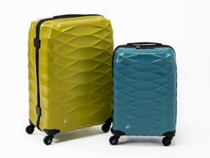 「PROTECA」が機内持ち込みサイズで1.7kgという史上最軽量のスーツケースを発表